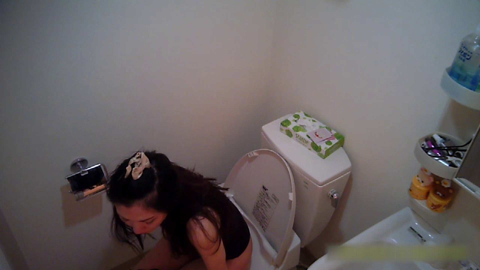 無料アダルト動画:清楚な顔してかなり敏感なE子25歳(仮名)Vol.05 裸でトイレ編:怪盗ジョーカー