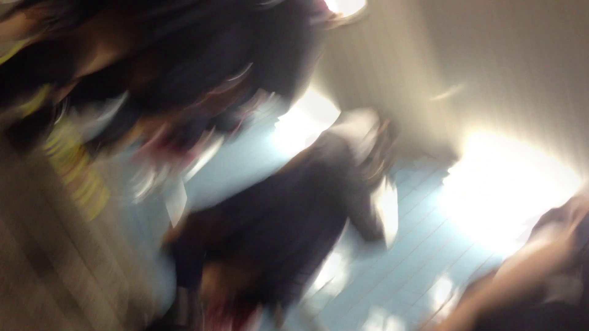 無料アダルト動画:階段パンチラ Vol.04:怪盗ジョーカー