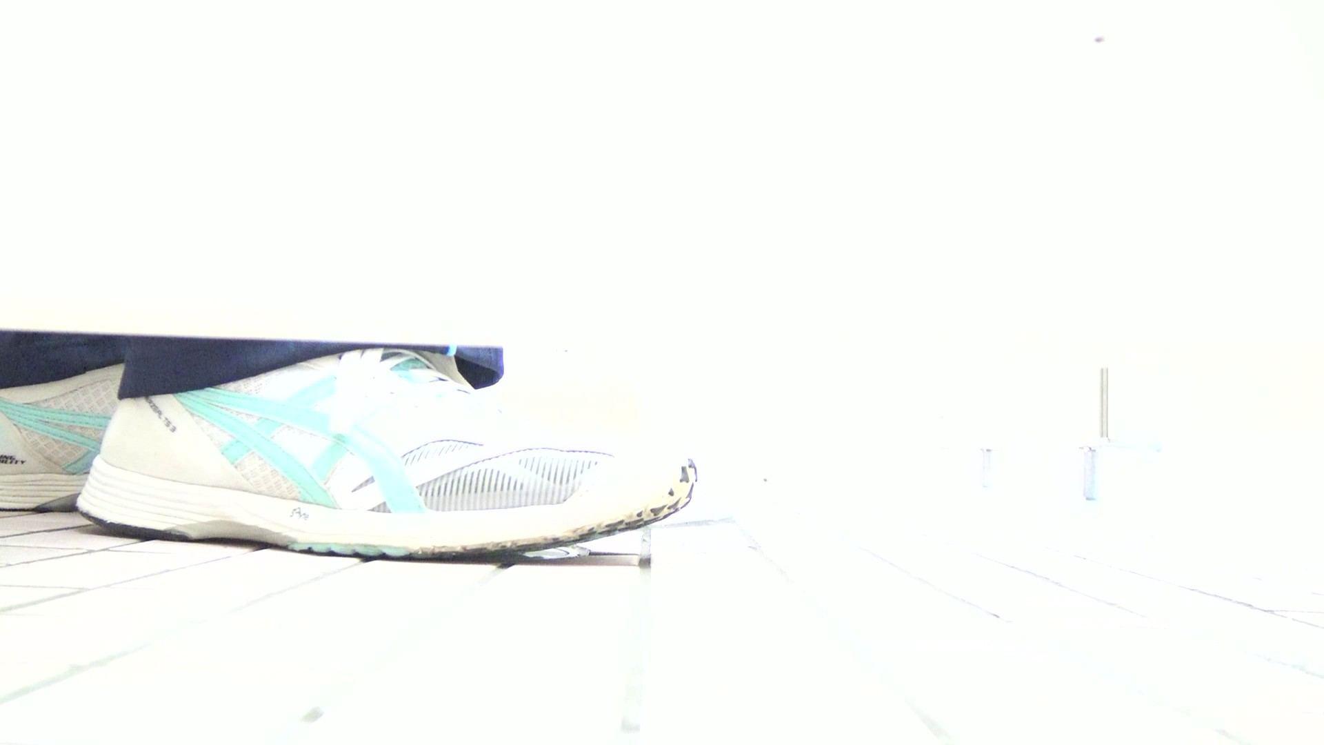 無料アダルト動画:▲期間限定D▲至高洗面所盗撮 17 極上体育館2カメ撮りヤバヤバ!!:怪盗ジョーカー