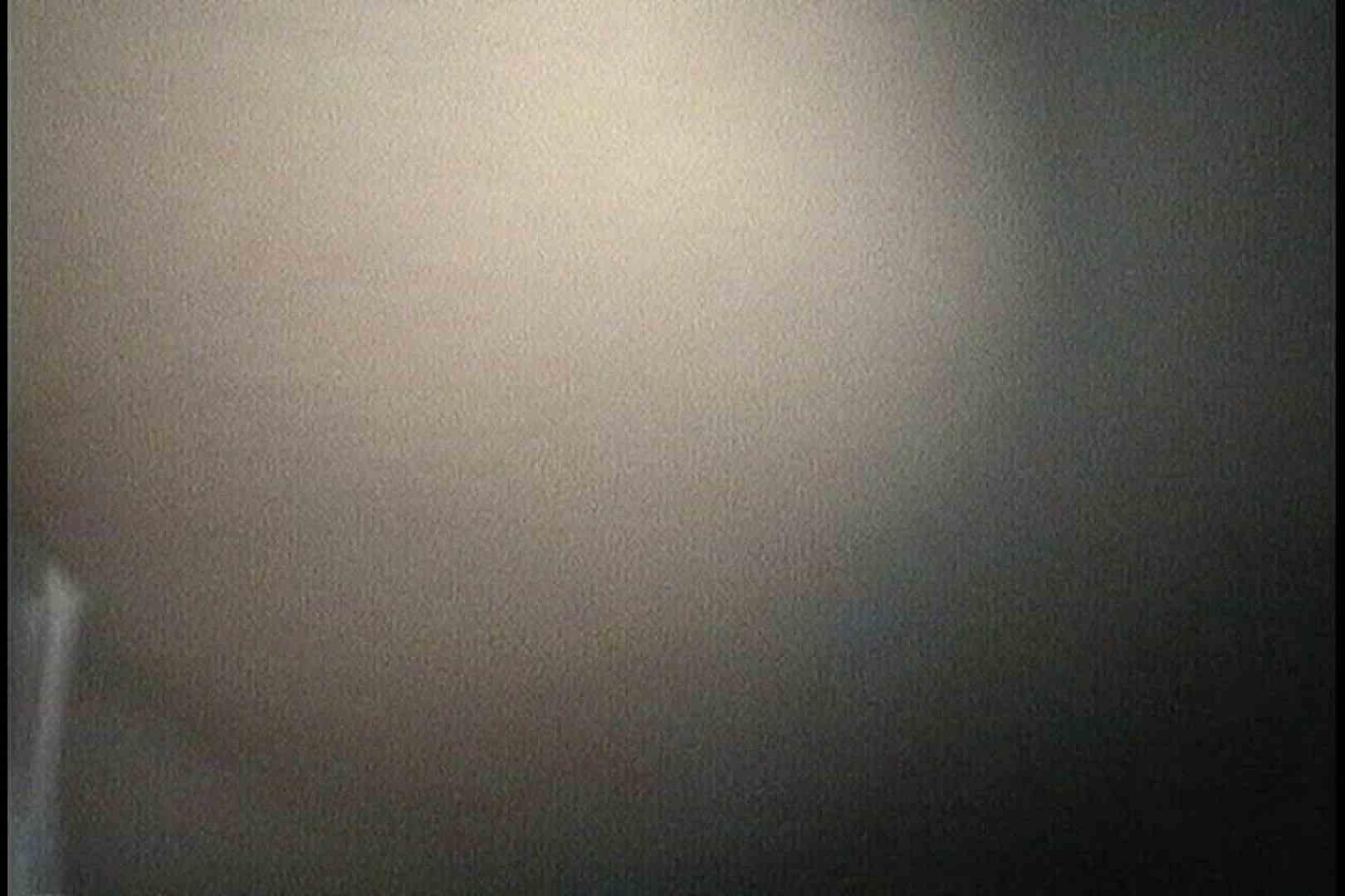 無料アダルト動画:No.72 まんこから飛び出す具を前後から!!:怪盗ジョーカー