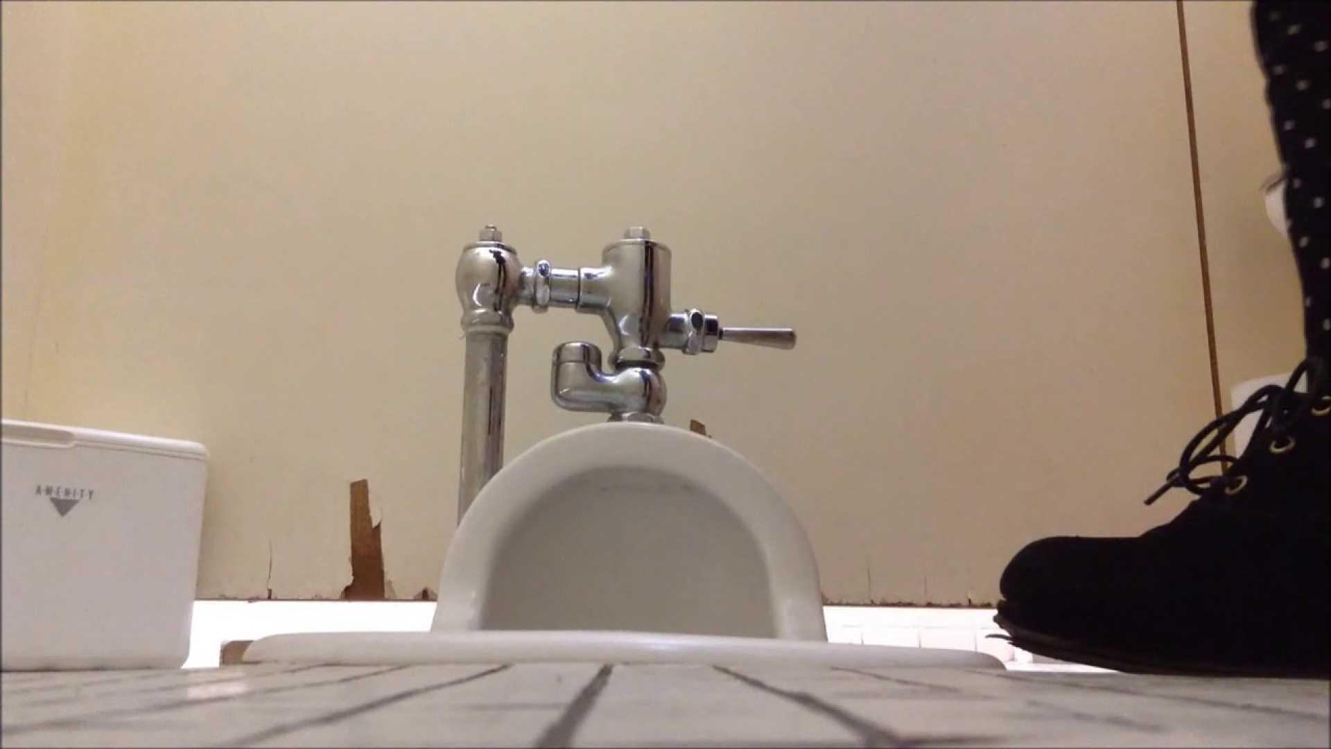 某有名大学女性洗面所 vol.04 潜入 のぞき動画画像 50連発 3