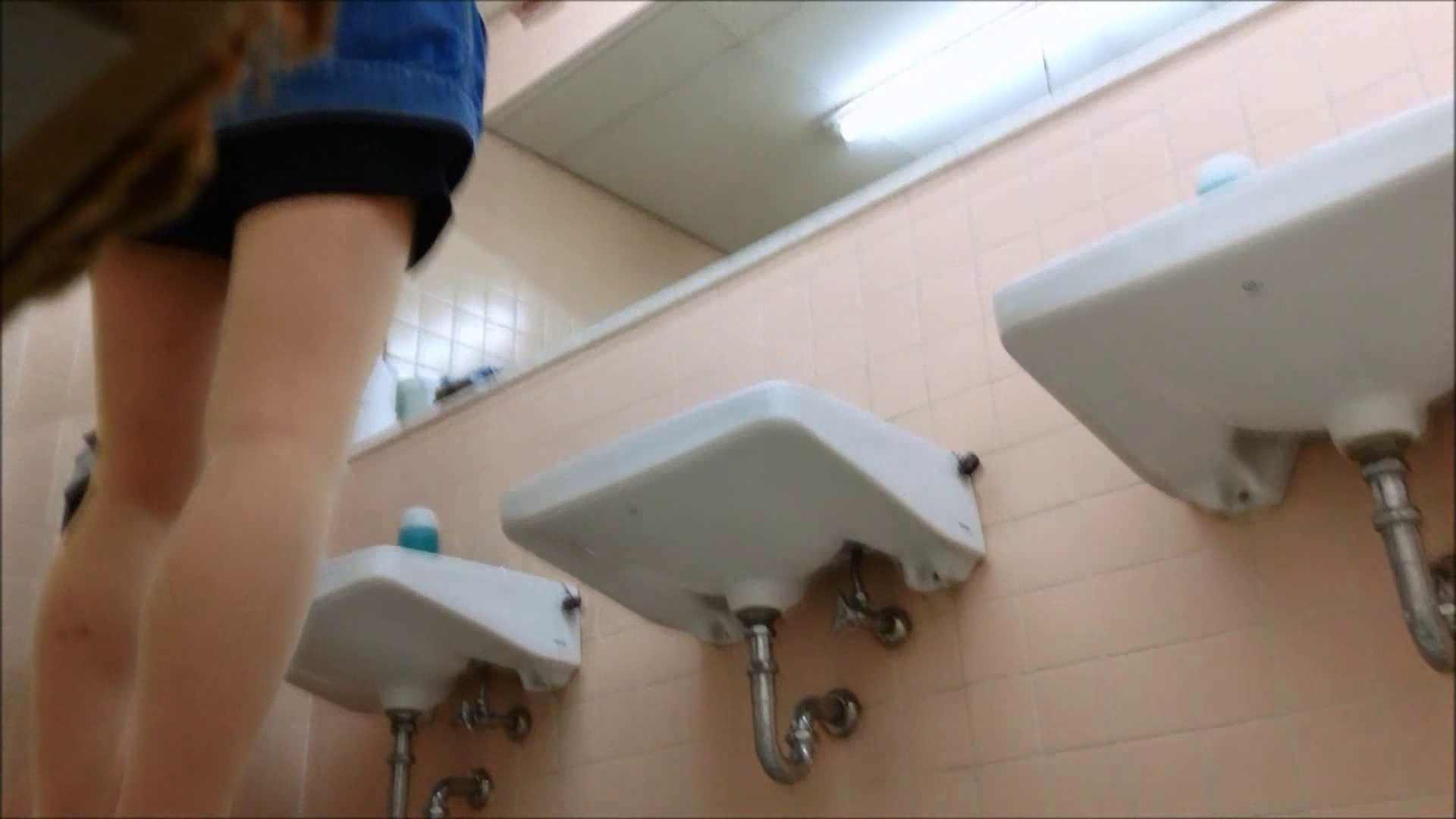 某有名大学女性洗面所 vol.16 潜入 | 和式  45連発 17