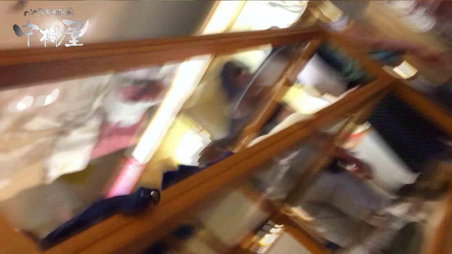 vol.65 美人アパレル胸チラ&パンチラ ムッチリ感がいい感じ花がらパンツさん パンチラ おめこ無修正画像 57連発 19