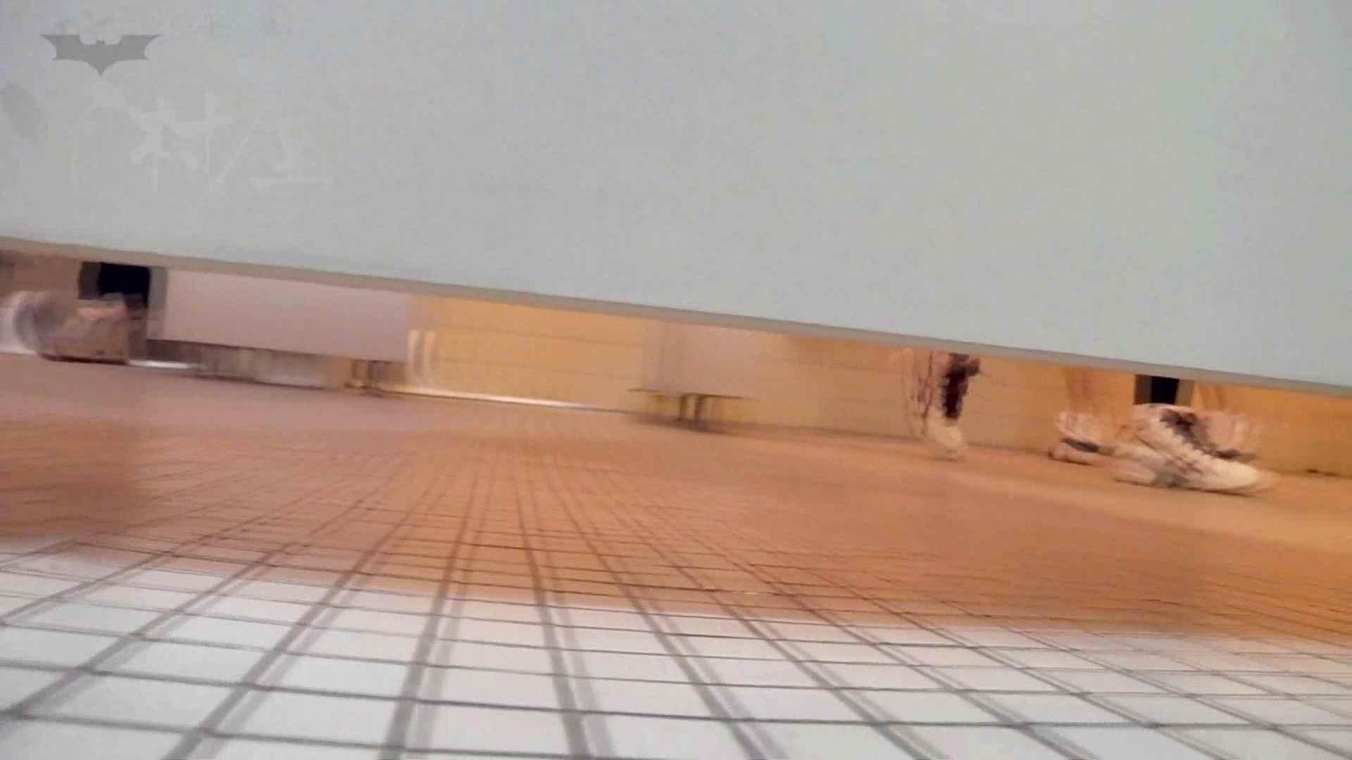 第三体育館潜入撮File015 「進化」の最後に登場した美人がついに入室! 潜入 ヌード画像 25連発 4