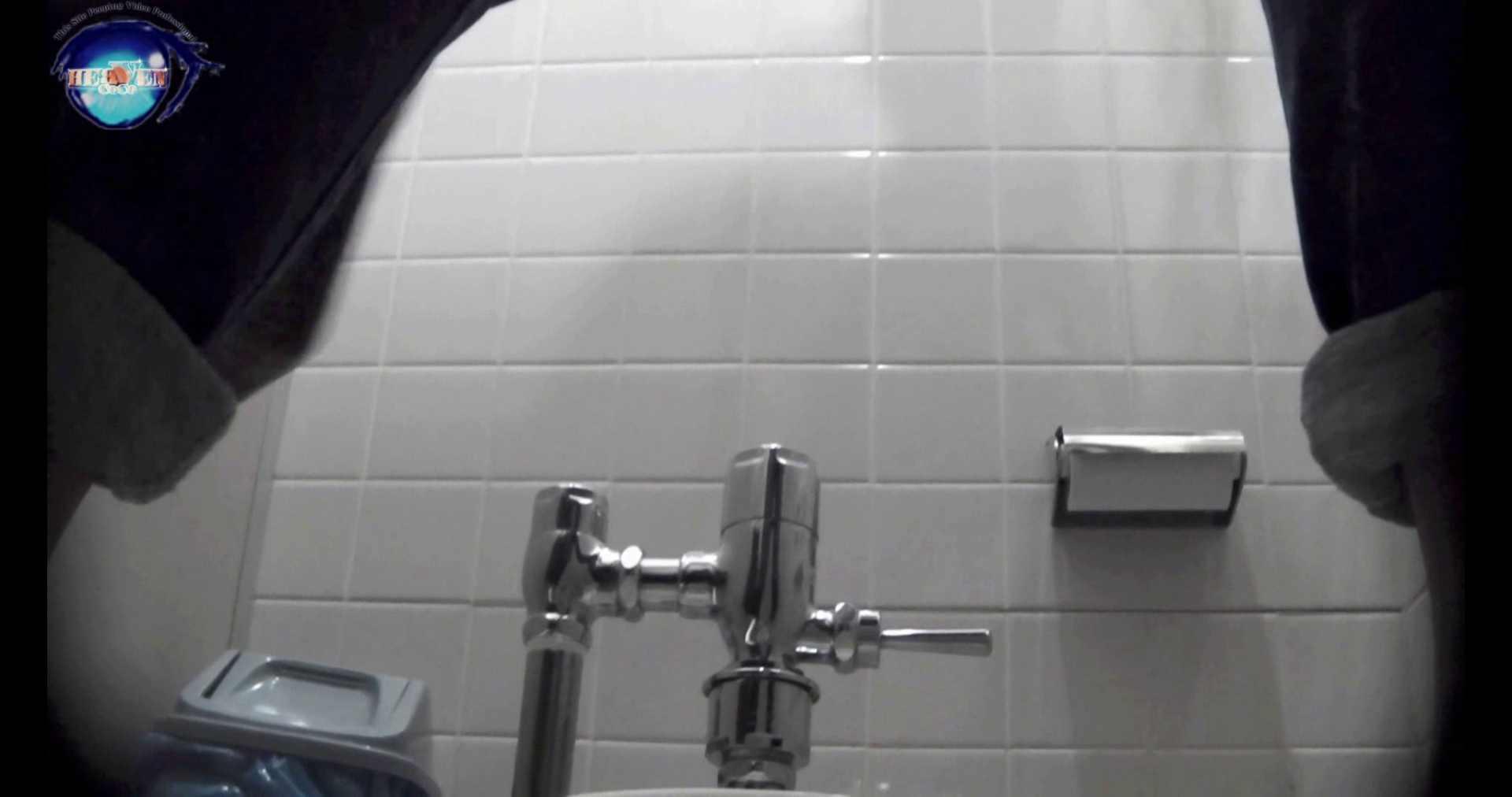 無料アダルト動画:【お銀さんの「洗面所突入レポート!!」】お銀 vol.70 女性の日特集!!前編:のぞき本舗 中村屋