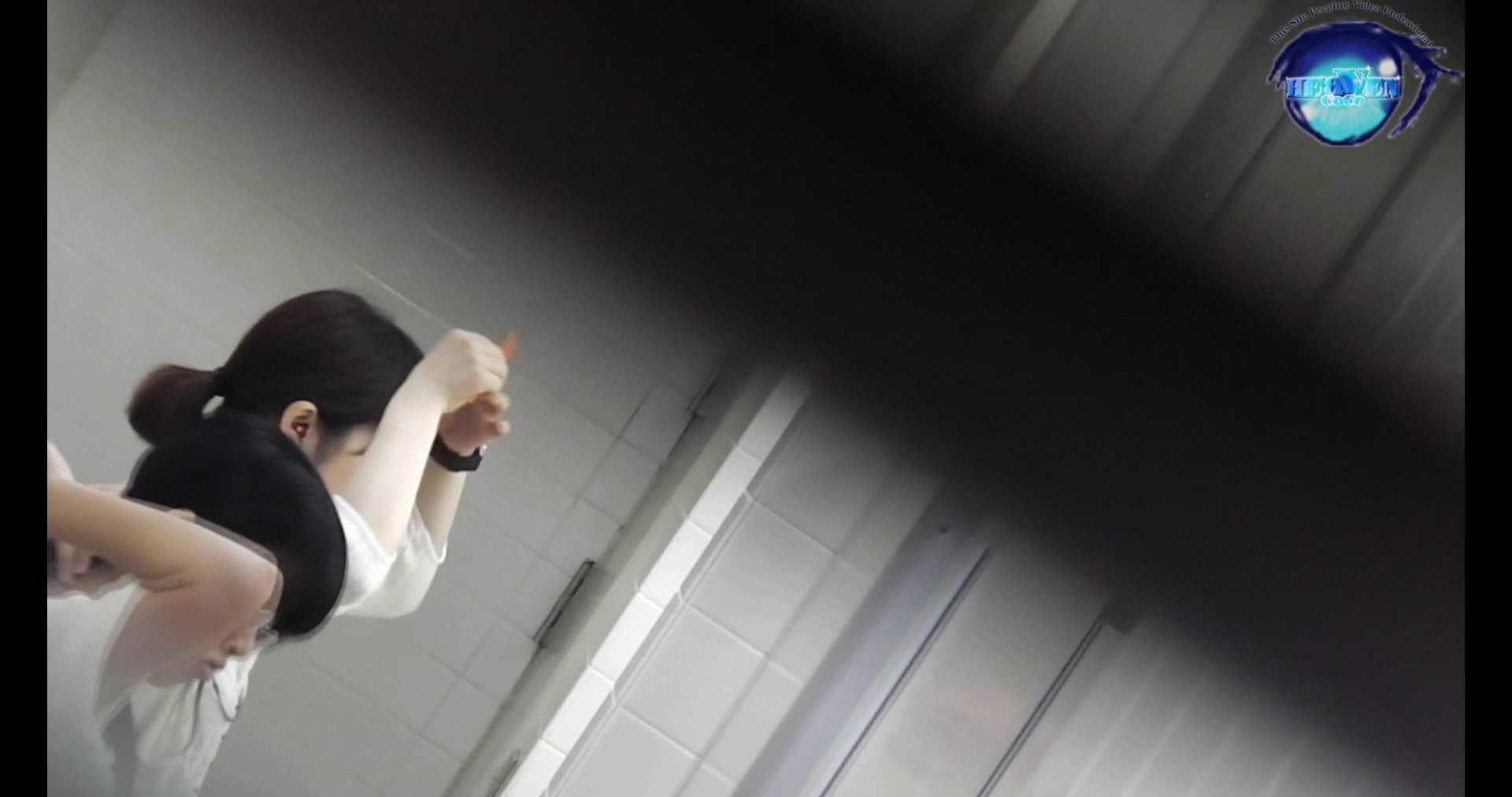 お銀さんの洗面所突入レポート!!vol.72 あのかわいい子がついフロント撮り実演 OLのエロ生活 戯れ無修正画像 55連発 2