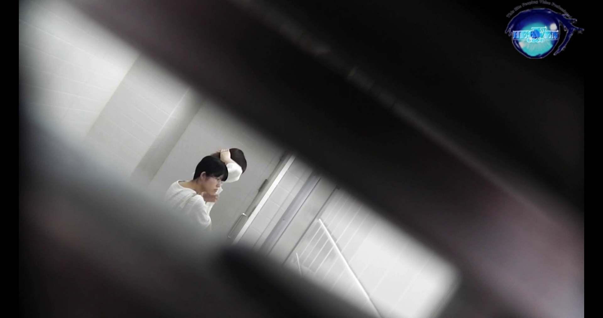 お銀さんの洗面所突入レポート!!vol.72 あのかわいい子がついフロント撮り実演 洗面所  55連発 6