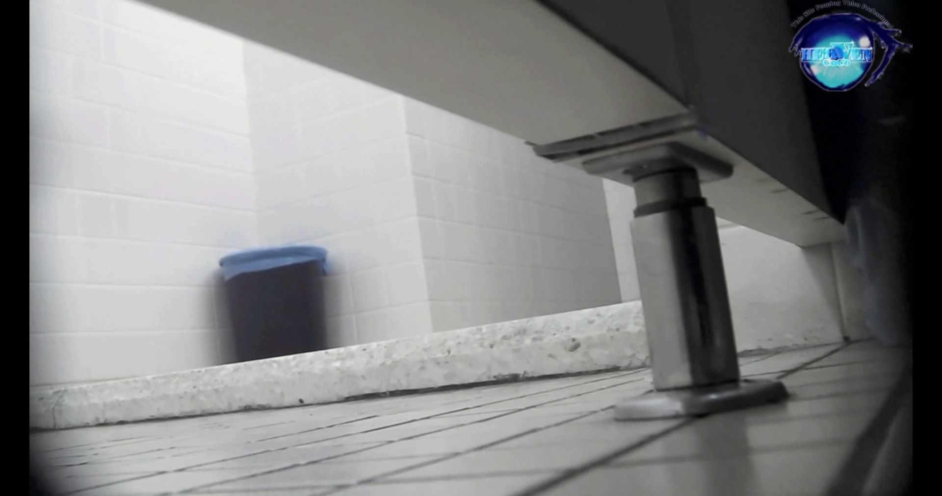 お銀さんの洗面所突入レポート!!vol.72 あのかわいい子がついフロント撮り実演 OLのエロ生活 戯れ無修正画像 55連発 11