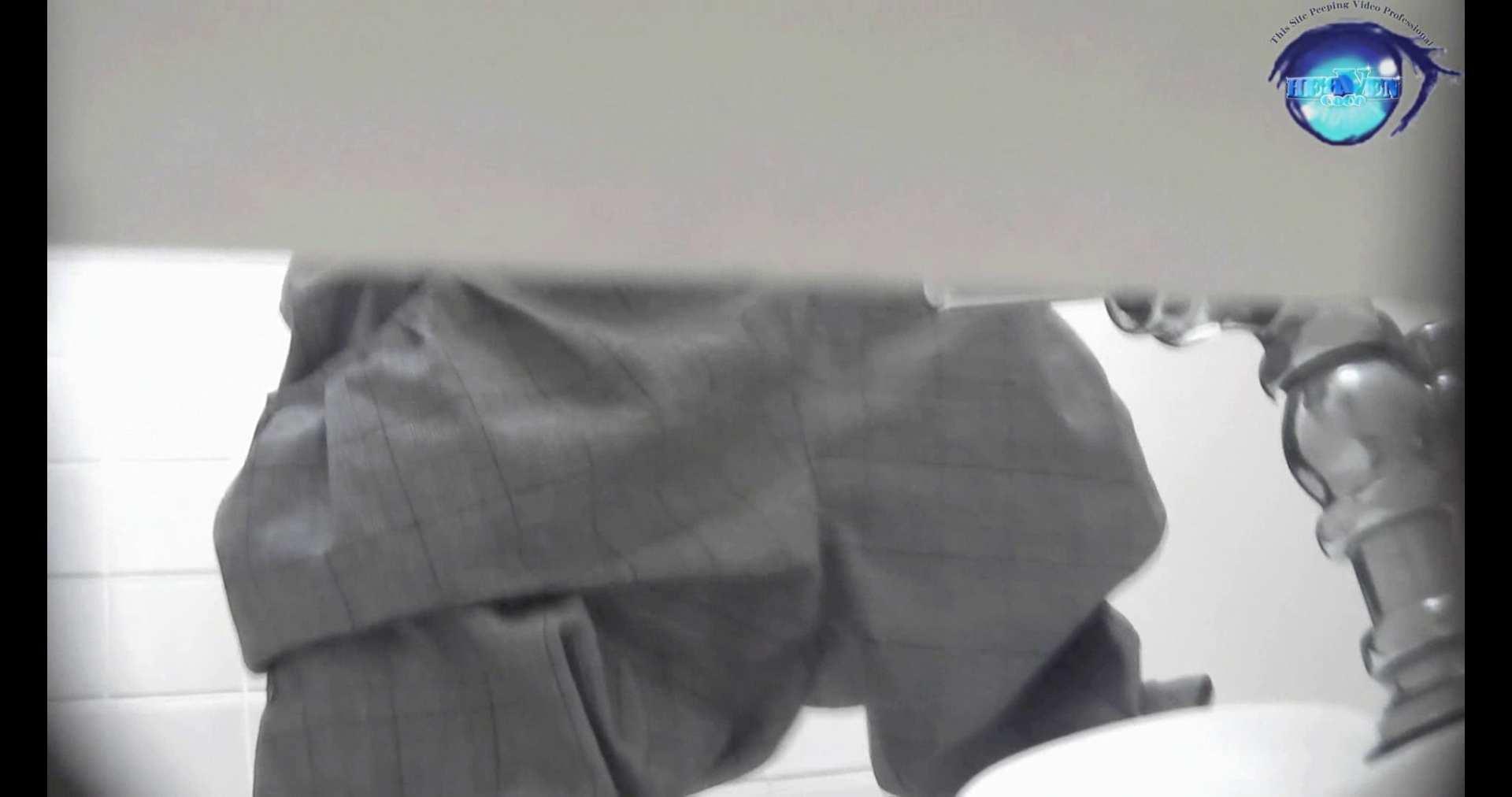 お銀さんの洗面所突入レポート!!vol.72 あのかわいい子がついフロント撮り実演 洗面所  55連発 51