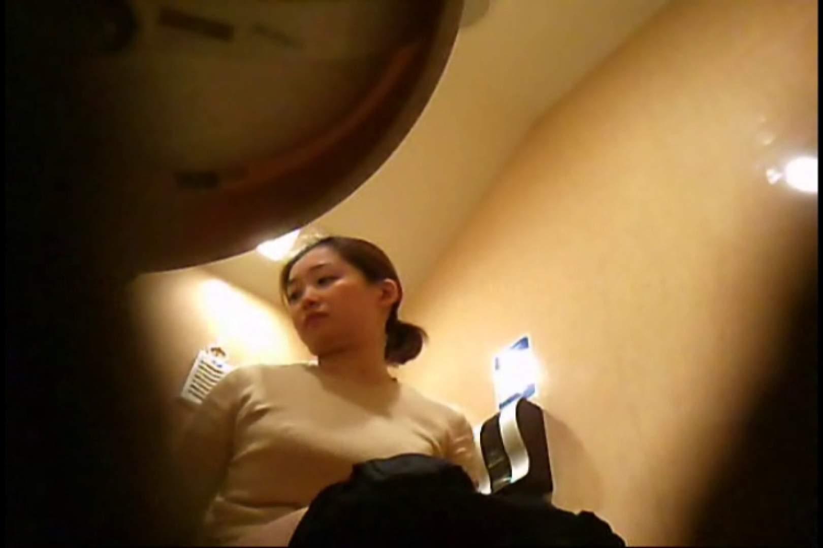 潜入!!女子化粧室盗撮~絶対見られたくない時間~vo,28 ギャルのおっぱい | 潜入  67連発 16