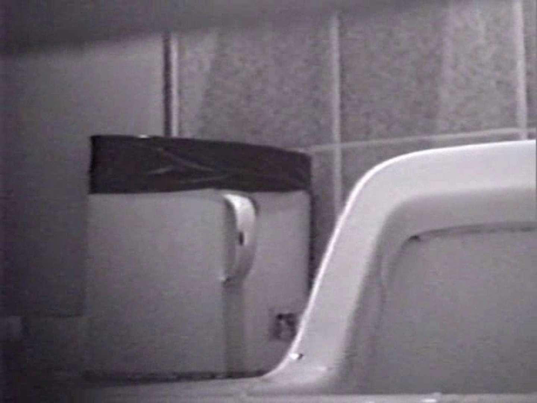 臭い厠で全員嘔吐する女 便器 セックス画像 56連発 13