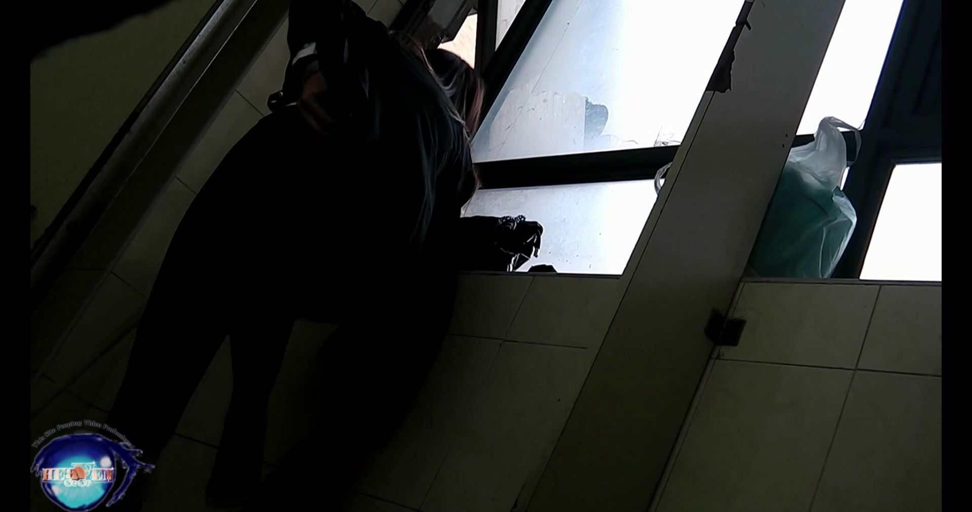 世界の射窓から~ステーション編~vol.34 無料動画のモデルつい本番登場Ⅱやっぱり違います モデルのエロ生活 覗きおまんこ画像 96連発 41