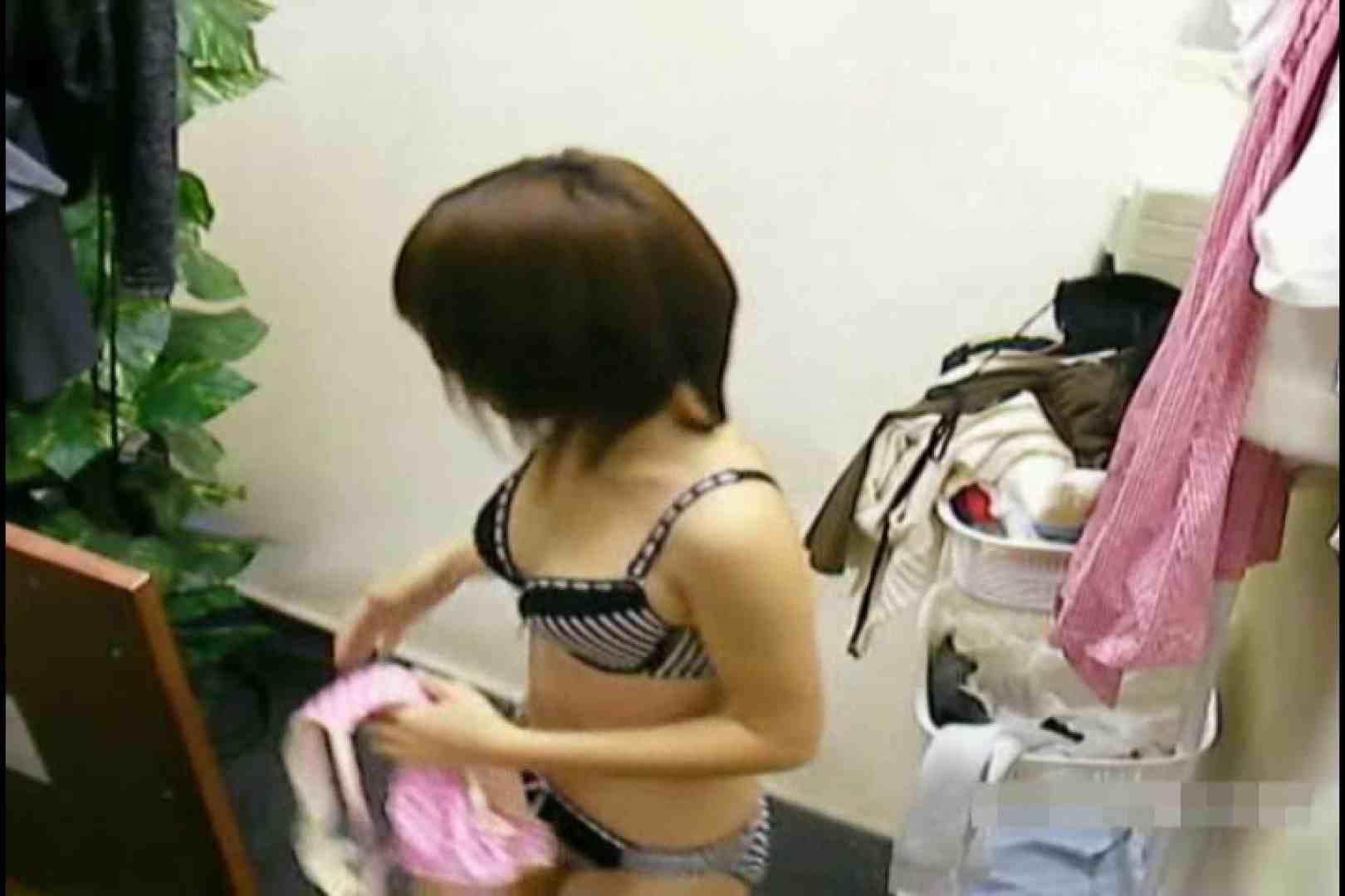 素人撮影 下着だけの撮影のはずが・・・れみ18歳 ロリ 性交動画流出 84連発 61