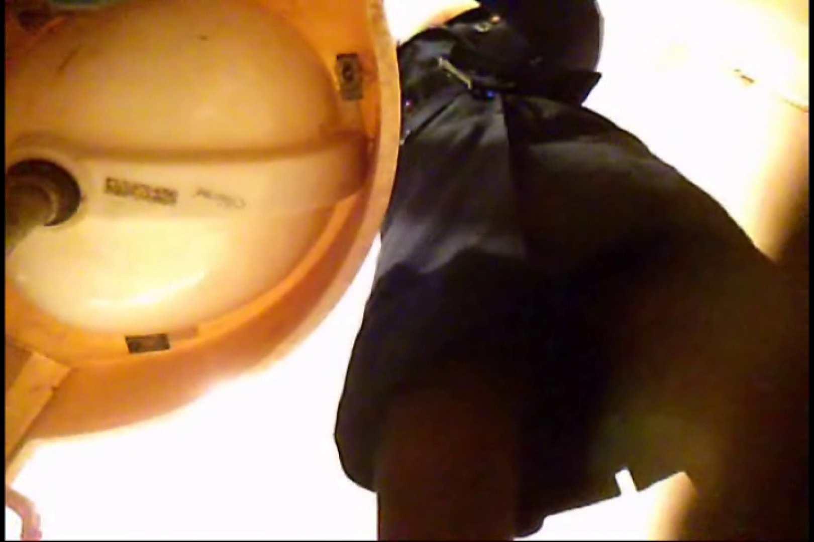 潜入!!女子化粧室盗撮~絶対見られたくない時間~vo,8 お姉さんのエロ生活  62連発 12