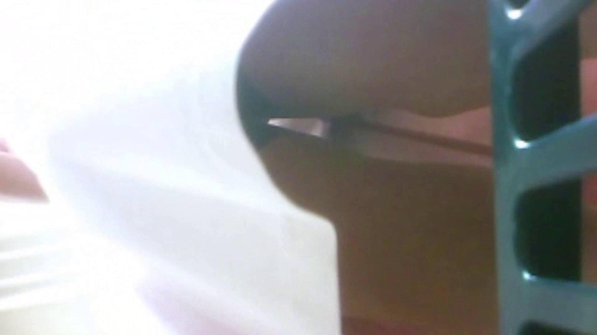 真剣に買い物中のgal達を上から下から狙います。vol.08 JKのエロ生活  110連発 56