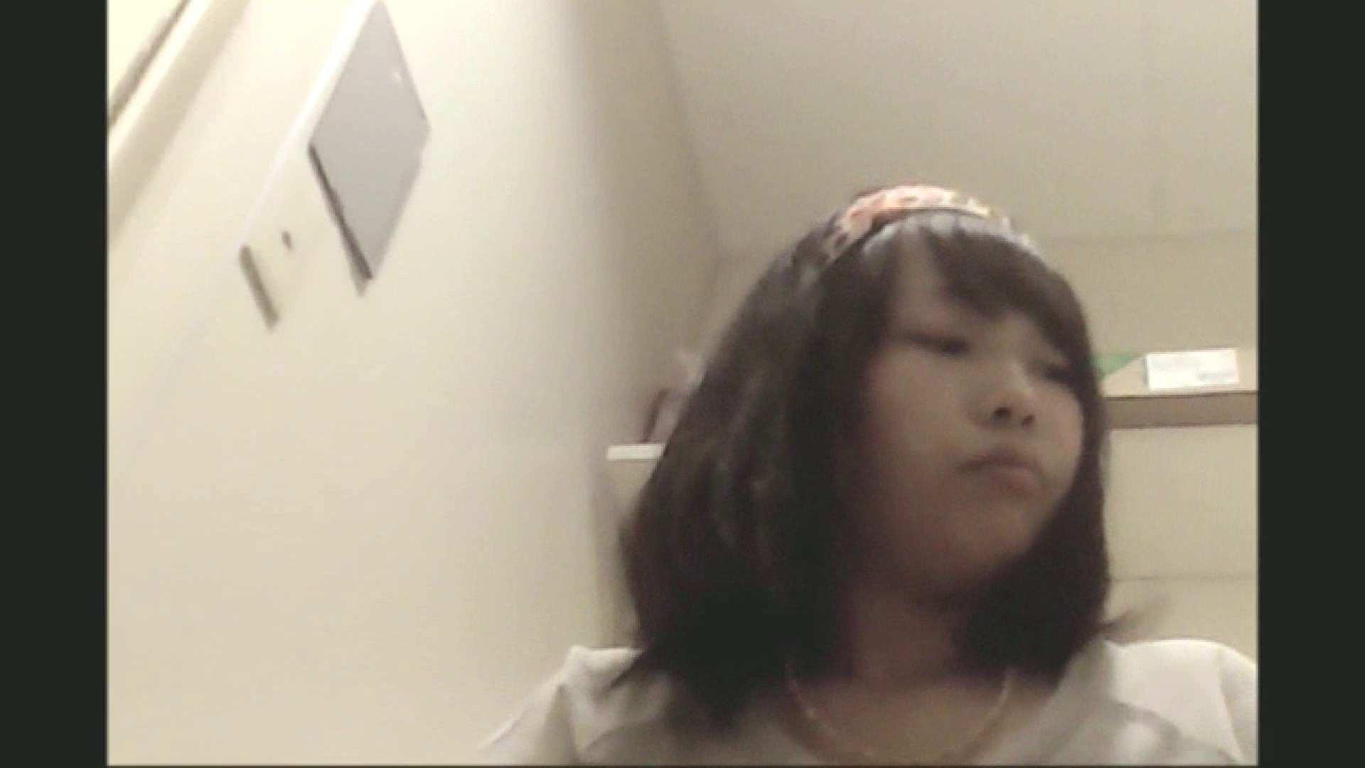 無料アダルト動画:実録!!綺麗なお姉さんのトイレ事情・・・。vol.15:ピープフォックス(盗撮狐)