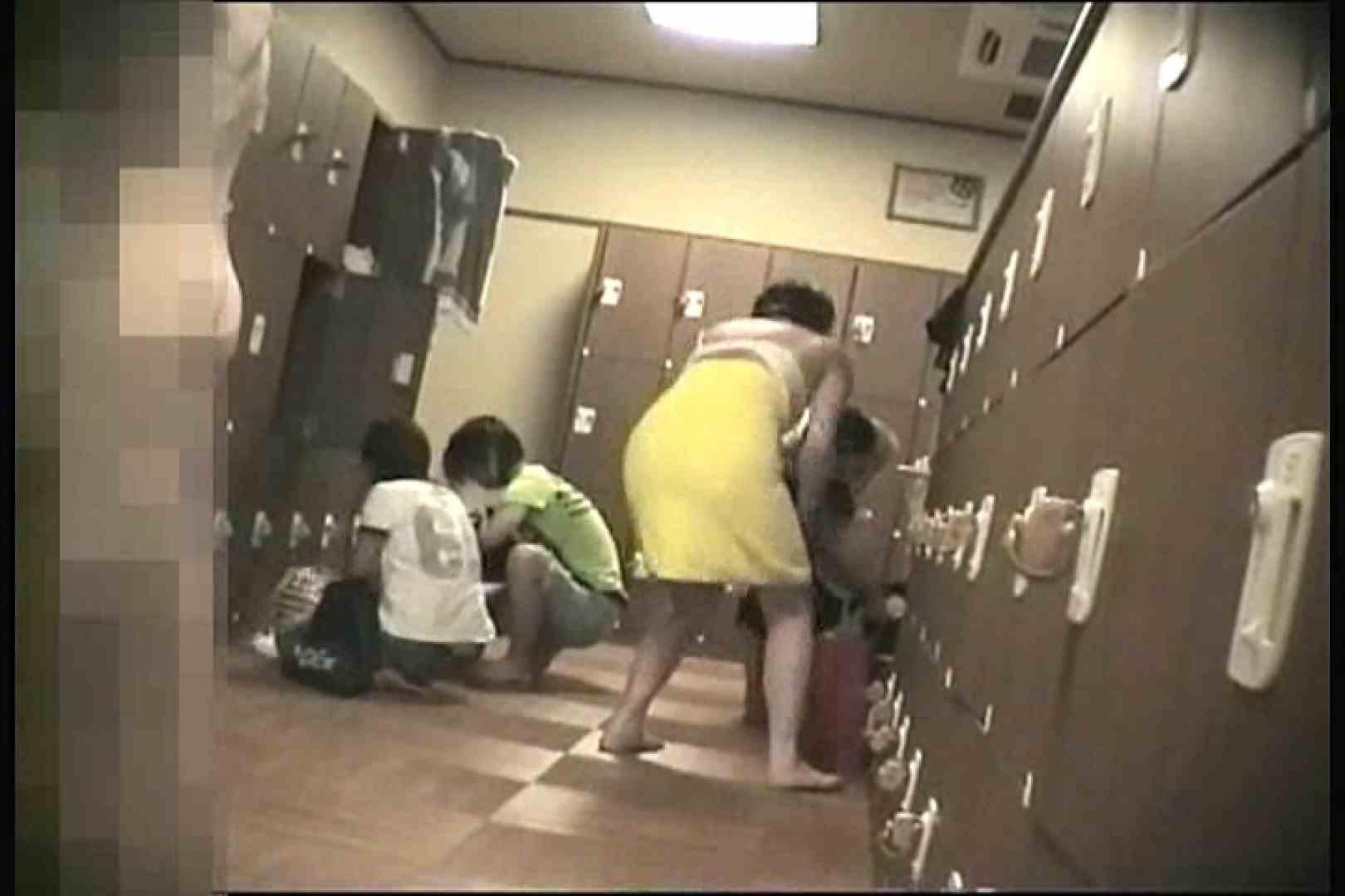 無料アダルト動画:夏脱衣所VOL.4:ピープフォックス(盗撮狐)