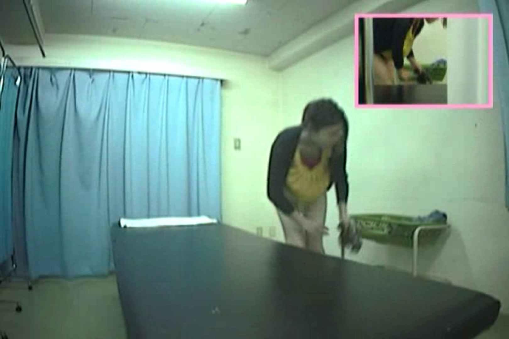 無料アダルト動画:アナルに指を入れられる彼女達の事情Vol.1:ピープフォックス(盗撮狐)